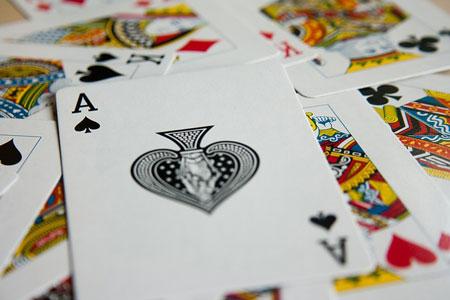 Kartenspiele | Bild: © PDPics, pixabay.com, CC0 Public Domain