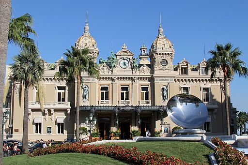 Casino Monte Carlo | Foto: von Fruitpunchline (Eigenes Werk) [CC BY-SA 4.0 (http://creativecommons.org/licenses/by-sa/4.0)], via Wikimedia Commons