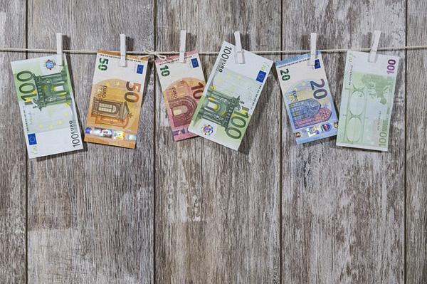 Echtes Geld gewinnen | Foto: WerbeFabrik, pixabay.com, CC0 Creative Commons