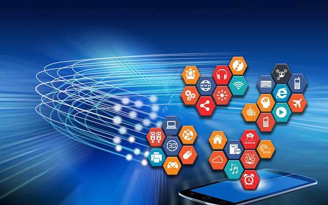 Ob via Desktop-PC oder Smartphone, Glücksspiele sind online inzwischen mit vielen mobilen Endgeräten spielbar. | Bild: satyatiwari, pixabay.com, CC0 Creative Commons