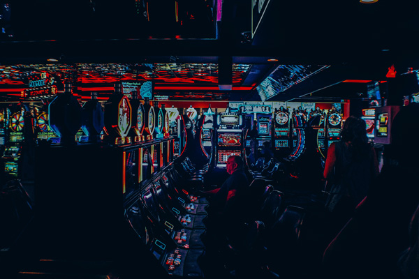 Spielautomaten Jackpot | Foto: John Schnobrich on Unsplash