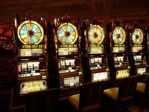 Jackpot Slot-Maschine | Foto: LoggaWiggler, pixabay.com, Pixabay License