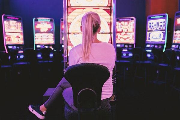 Glücksspiel an Slots | Foto: JESHOOTS-com, pixabay.com, Pixabay License